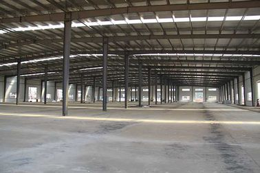 Chiny ISO Standard Agricultural Steel Framed Buildings Grey Paint Surface dostawca
