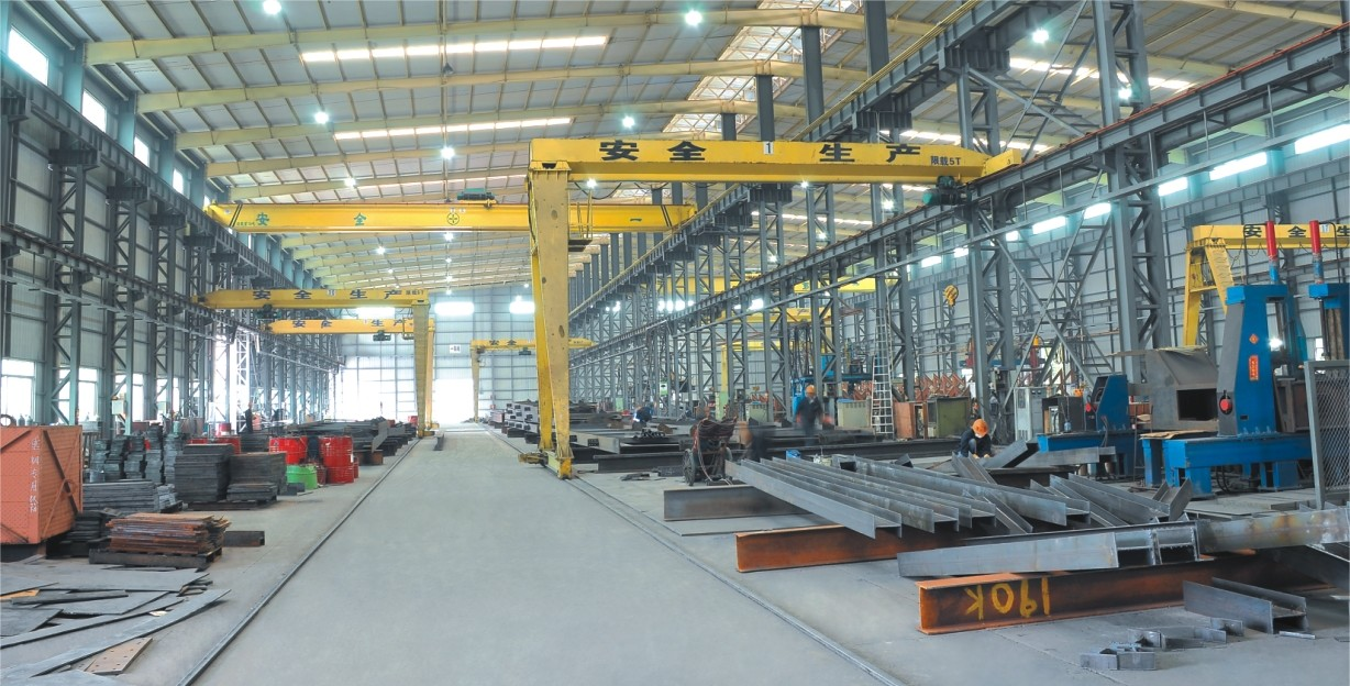 Q355 Workshop Steel Structure With Overhead Crane inside Door